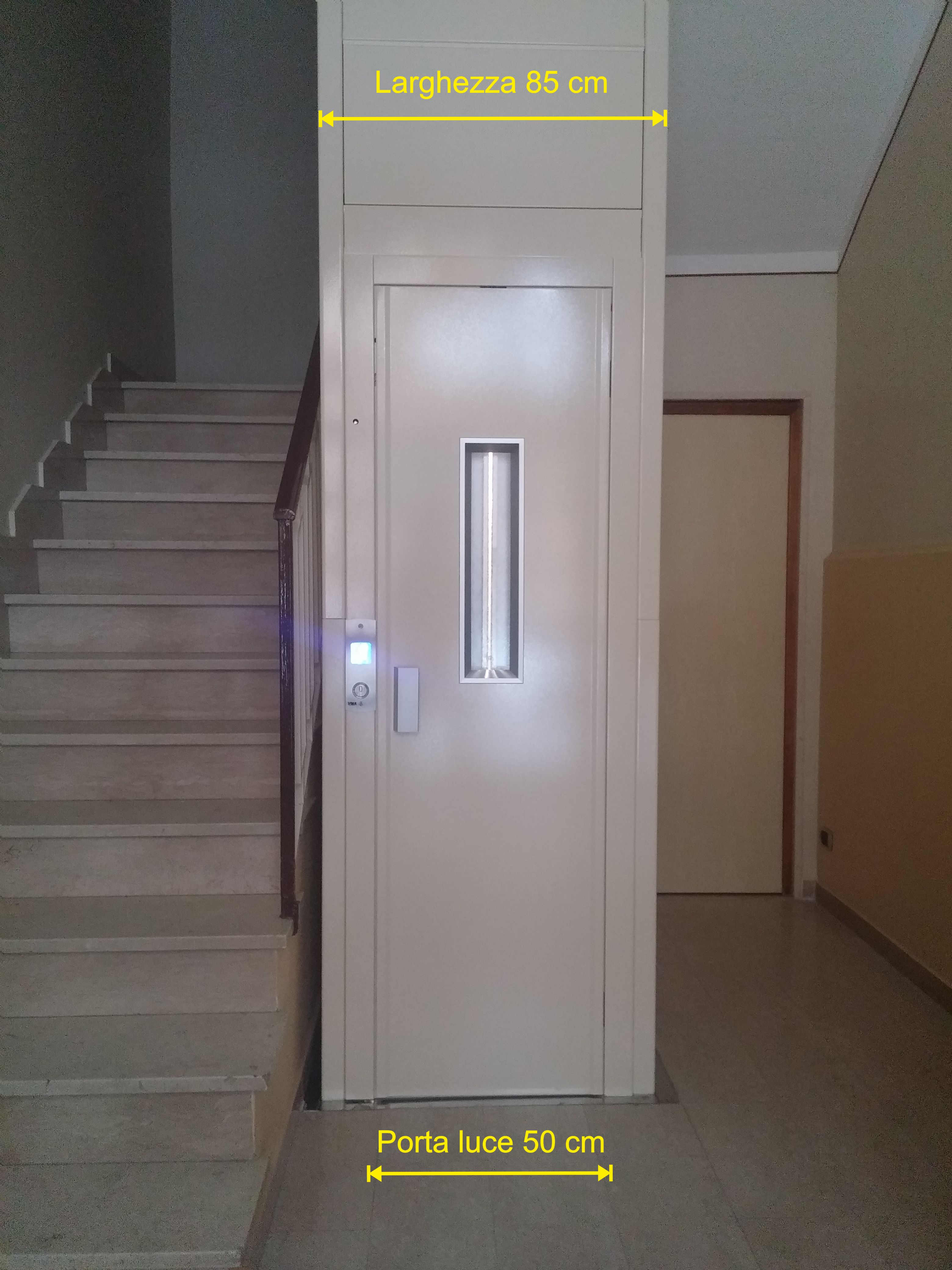 Ascensore interno di dimensioni ridotte for Dimensioni ascensore